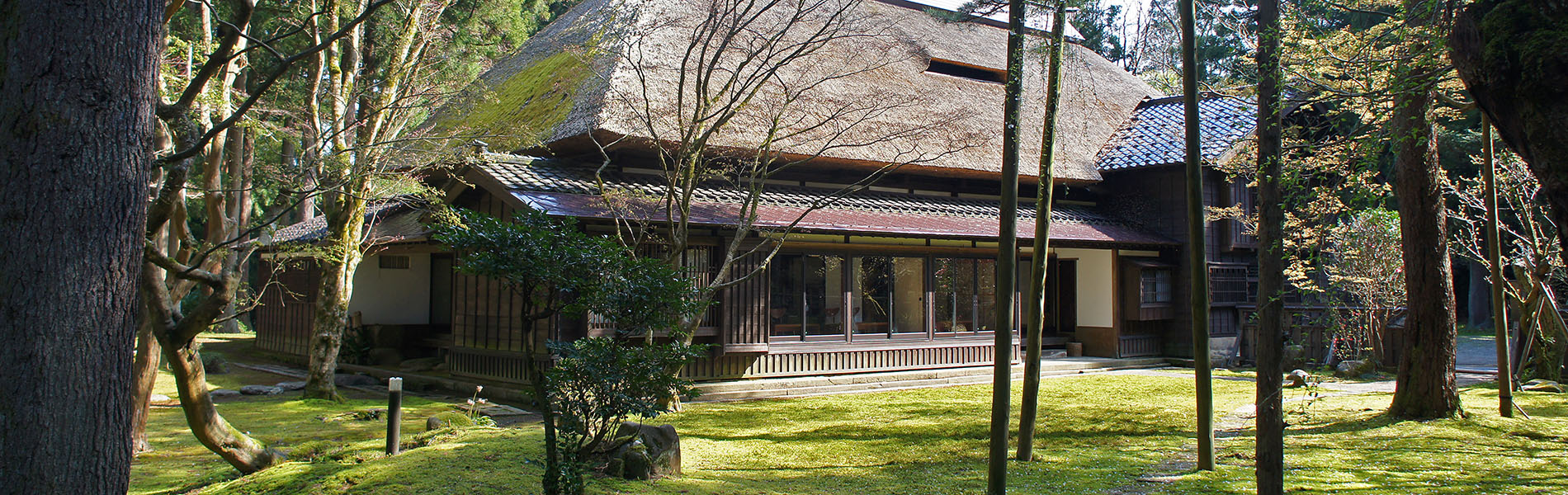 CAFE HAYASHI 茅葺き屋根外観